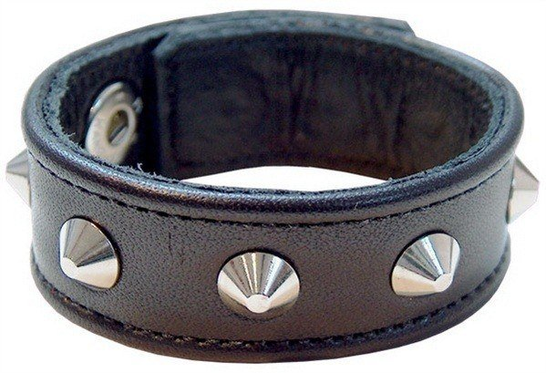 Size adjustable penis cuff with rivets